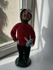 Byers choice Caroler Little Boy with wreath candle signed/numbered