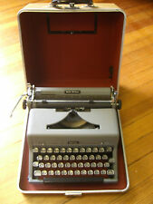 Vintage Mid-Century ROYAL Black Quiet Deluxe Portable TYPEWRITER w/ Case,WORKS