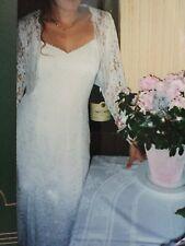 Robe de mariée en dentelle avec boléro T40