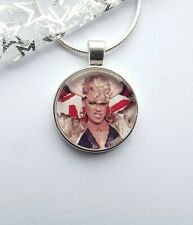 PINK SINGER PHOTO PENDANT NECKLACE 22 INCH CHAIN WITH GIFT BOX PARTY BIRTHDAY