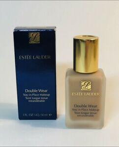 Estee Lauder Double Wear Stay-in-Place Makeup. 2W2 Rattan. 1 fl. oz. / 30 ml.
