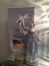 Mint Condition! Lladro New Horizons Figurine~Retired #6570. Original Box.