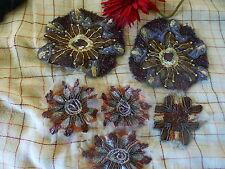 lot dentelles ,perles ,pour orner vétements ,sacs ,coussins etc
