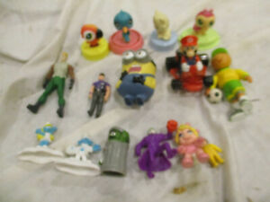 LOT OF11 MCDONALDS HAPPY MEAL TOY Smurffs Joker Miss Piggy Oscar used and others