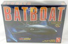1:25 Scale Batman Batboat Plastic Model Kit (Skill 2) - Amt #1025/12
