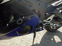 R&G Pair White Classic Style Crash Protectors for Yamaha YZF-R6 2003