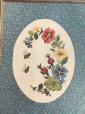 Paragon The Calicos Floral and Bees Crewel Embroidery Kit 9x12 Linen