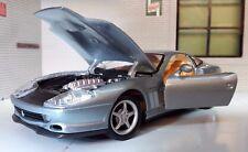scala 1:24 FERRARI 1996 ARGENTO 550 MARANELLO Berlinetta 26004 AUTOMODELLO