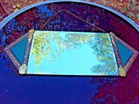 ancien joli miroir biseauté art déco cadre en laiton repoussé début 20 ème