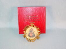 HUMMEL GOLD CHRISTMAS ORNAMENT CHILDREN ON THE CHURCH ROAD 1988