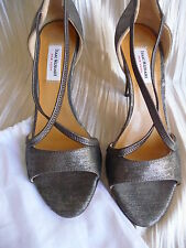 Isaac Mizrahi New York NWOT 3 1/4 heels 35 1/2 in bag Not outlet or discount