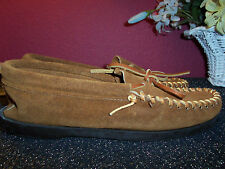 MINNETONKA brown suede moccasins size 7S (narrow) hard sole new without the box
