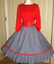 ON4 Red-laced gray square dance skirt, sequined red -NU- pullover + fancy belt