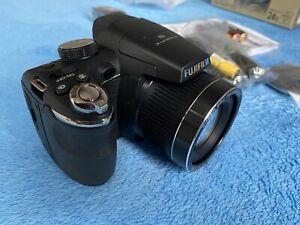 Boxed Fujifilm FinePix S Series S3200 14.0MP Digital Camera-  Black