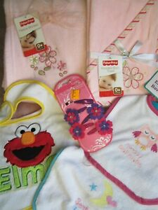 NEW newborn baby girl blanket hooded terry towel 3 Bibs + Barrettes / Snap Clips