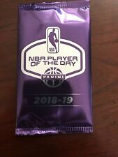 2018-19 Panini Player Of The Day Basketball Card Pack Pos.Rookie Auto 1/1 LEBRON