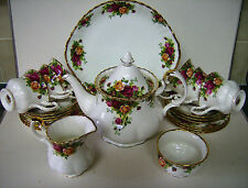ROYAL ALBERT OLD COUNTRY ROSES 22 PC TEA SET FIRST QUALITY