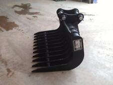 Godet Rateau 810mm axes 35mm pour mini pelle 2.5T