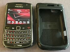 BlackBerry Bold 9650 Verizon Bluetooth Camera Smartphone Black Cell Phone BUNDLE