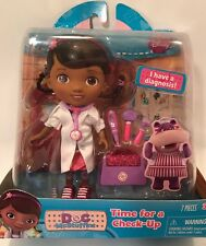 NEW Doc McStuffins TIME FOR CHECK UP 7 Piece Doll & Accessories Set 90045 WHITE