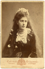 Portrait, femme aux cheveux longs, ca.1880, vintage albumen print Carte cabinet