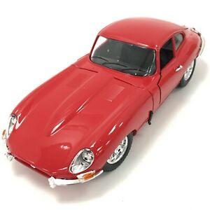 Bburago Jaguar E Type Coupe 1961 Die Cast Vehicle Kit Model 1:18 Scale 253000