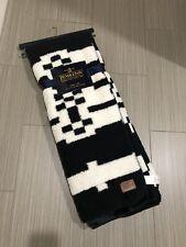 """New ListingPendleton Throw Blanket Aztec Southwest Fleece Sherpa 50""""x 70"""" Black White New"""