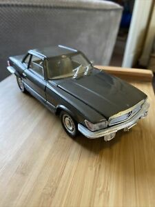 Polistil Mercedes Benz 450 SL Scale 1:25 Made In Italy un-boxed
