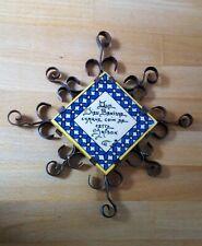 Ancien Petit dessous plat céramique Rousies et Fer forgé - décoratif Que Dieu bé