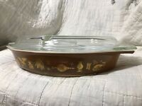 Pyrex 1.5 qt. divided casserole dish with lid oval vintage Early American brown