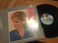 Reba McEntire: Greatest Hits LP on MCA Label MCA-5979..Country in SHRINK/ EX