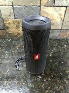 *SEE DESCRIPTION* JBl Flip 4 Black Waterproof Bluetooth Speaker (JBLFLIP4BLKAM)