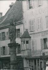 THANN c. 1935 - Statue Fontaine St Thiébaut  Haut-Rhin - P559