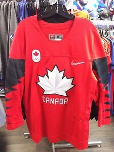 Men's 2018 Team Canada IIHF Hockey Olympic Red Blank Payer Jersey Medium
