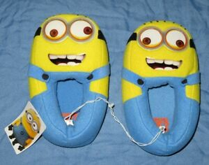 DESPICABLE ME 2 - MINION - Youth Slippers - Size L 2-3 - Unisex - Moving Eyes!