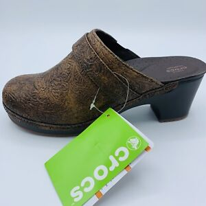 Crocs Sarah Tooled Leather Clogs Womens 7 Brown Shoes NEW NIB Slip On