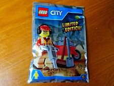 BNIB LEGO CITY FOIL PACKED LIMITED EDITION FIGURE (REF227)