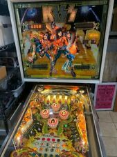 1979 Bally KISS Pinball Machine/ Working Order