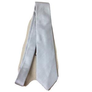 THOMAS PINK Men's 100% Silk Necktie  ENGLAND Solid Silver Designer AR166