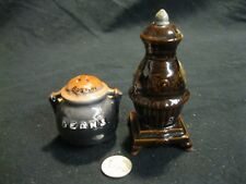 Boston Beans Pot Belly Wood Stove Salt and Pepper Shakers Ceramic          55