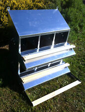 "FAMOUS 6-HOLE ""ROLL-AWAY"" CHICKEN / HEN NEST BOX (FOR UP TO 30 CHOOKS / Poultry)"