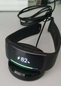 Samsung Galaxy gear fit 2 smart watch