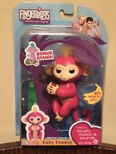 Fingerlings BELLA PINK Baby Monkey EXCLUSIVE Bonus Stand AUTHENTIC RETAIL