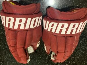 Phoenix Coyotes Kyle Turris Game Worn Gloves
