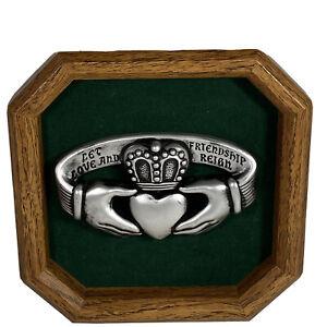 "Claddagh Ring Wall Plaque Home Decor Celtic Knot Irish Design 8"" Love Friendship"