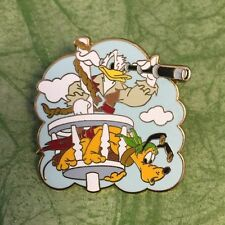 DISNEY PIRATES OF THE CARIBEAN DONALD DUCK AND PLUTO SPYGLASS PIN