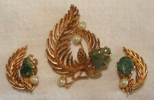 Vintage Lisner Cultured Pearl & Jade Holiday Pine Cone Brooch & Earrings Set