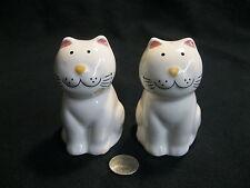 Vintage Happy Sitting Persian Cat Feline Salt and Pepper Shakers Ceramic      89