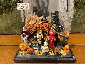 Artisan Miniature Dollhouse 1:48 Scale FABULOUS Halloween Diorama 4 DOLLS! Boo!!
