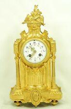 Bellissimo CAMINO Orologio Napoleone III. Bronzo dorato fuoco.